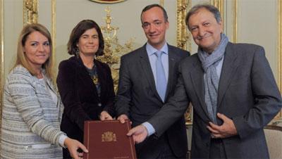 Justicia interior y sanidad firman un convenio con la for Interior y justicia