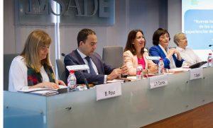 Inma Puig, psicóloga y profesora del departamento de Dirección de Recursos Humanos de ESADE, durante la mesa redonda
