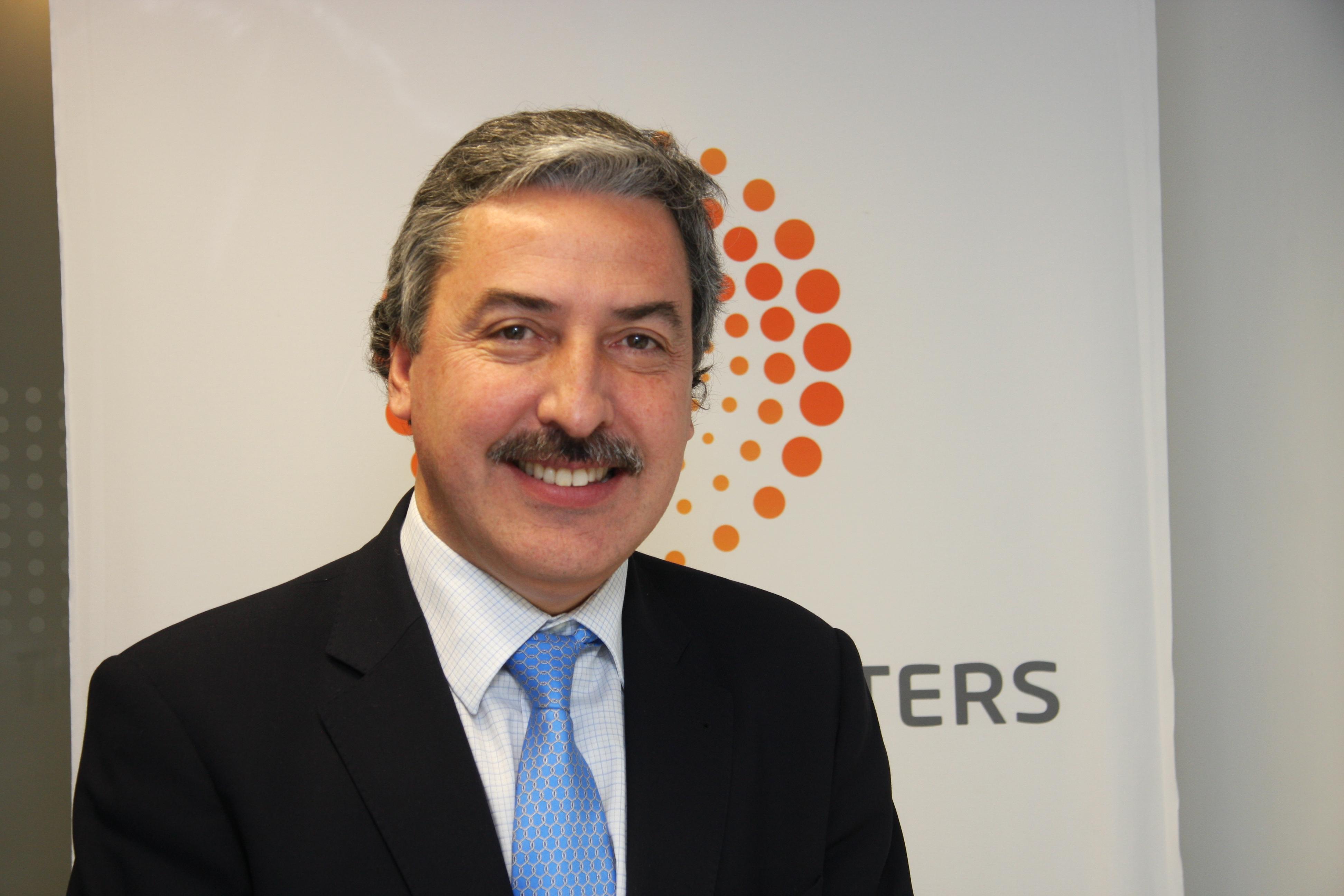 Carlos gaona el abogado ya no es un abogado de for Escritorio de abogado