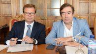De izquierda a derecha los notarios Javier Martínez e Ignacio Gomá ponentes de la mesa sobre la aceptación y repudiación de herencia. El beneficio de inventario y el derecho a deliberar