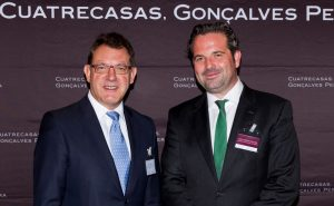 Kai C. Fischer, coordinador del German Desk de Cuatrecasas, y Peter Tempel, embajador de Alemania