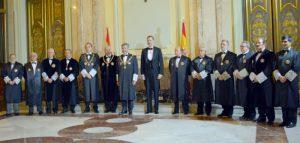 El rey con la Sala de Gobierno del Tribunal Supremo durante el acto de apertura del año judicial 2106 (Foto: CGPJ)