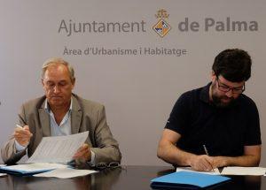 El decano del Ilustre Colegio de Abogados de Baleares, (ICAIB). Martín Aleñar, y el regidor de Modelo de Ciudad, Urbanismo y Vivienda Digna del ayuntamiento de Palma, Antoni Noguera