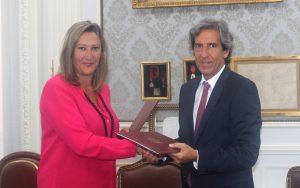 La decana del Colegio de Abogados Madrid, Sonia Gumpert y el presidente del Colegio de Médicos de Madrid, Miguel Ángel Sánchez