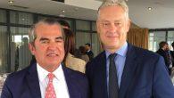 Juan Ignacio Navas, socio-director de Navas & Cusí,  y Simon Manley, embajador de Gran Bretaña en España