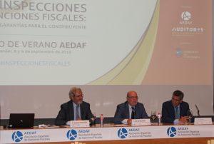 José Ignacio Alemany, Presidente de la AEDAF; Juan José Sota, Consejero de Economía, Hacienda y Empleo del Gobierno de Cantabria, y Antonio Relea, Delegado Territorial de Cantabria de la AEDAF