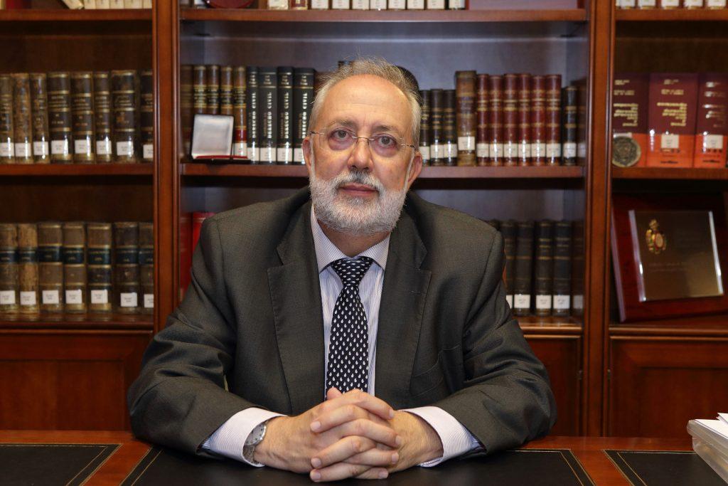 foto-del-decano-abogados-elche