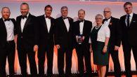 Simon Watson, socio responsable de servicios globales de Outsourcing en BDO, recoge el galardón