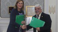 La presidenta de Unión Interprofesional de la Comunidad de Madrid (UICM), Sonia Gumpert, y el presidente de la Asociación Intercolegial de Colegios Profesionales de Catalunya, Oriol Rusca