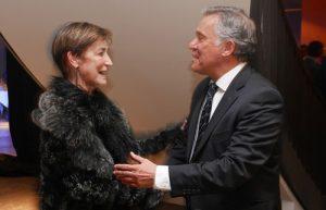 Victoria Ortega, presidenta del CGAE, y José Félix Alonso-Cuevillas, presidente de Alter Mutua, en el momento de la firma