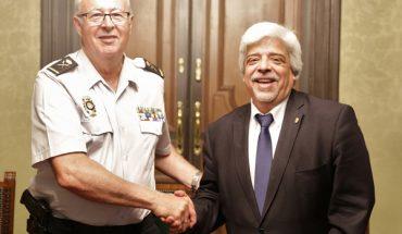 El decano del Colegio de la Abogacía de Barcelona, Oriol Rusca y el jefe superior de la Policía Nacional en Cataluña, Sebastián Trapote
