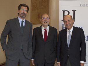 Joan Roca, presidente ejecutivo de Roca Junyent; Javier Solana y, Miquel Roca, presidente del despacho