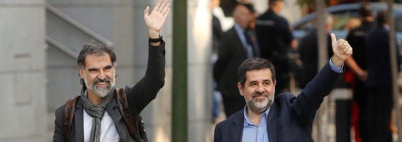 Jordi Cuixart (izquierda) y Jordi Sànchez, entrando en la Audiencia Nacional