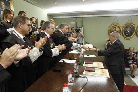 Colegio de Abogados de Granada entrega Botones de Oro y Plata