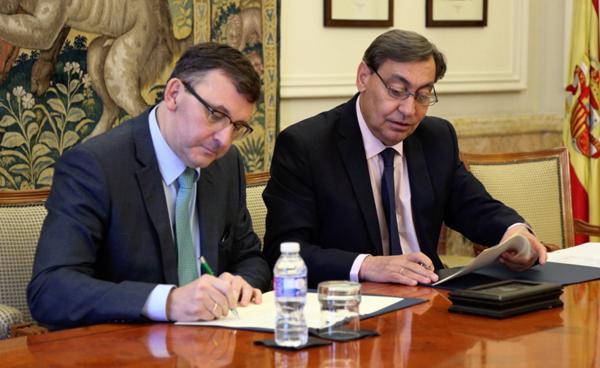 Julián Sánchez Melgar, fiscal general del Estado y José Ángel Martínez Sanchiz, presidente del Consejo General del Notariado