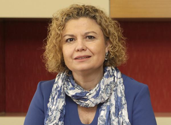 la decana del Colegio de Registradores, María Emilia Adán