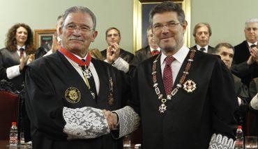 Eduardo Torres recibe la Cruz de San Raimundo de Peñafort