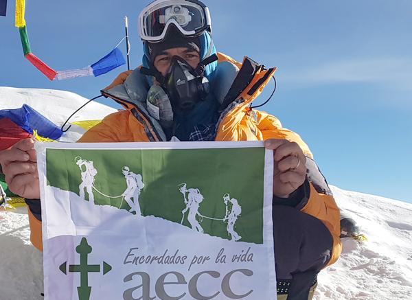 Notario Everest Javier Oliver