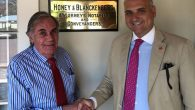 El socio y director de la oficina de Madrid de Lupicinio International Law, José María Viñals,junto con David Russell, gerente de Honey & Blanckenberg