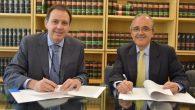 Juan Claudio Abelló, presidente del Instituto de Emprendimiento Avanzado y Vicente Sánchez, CEO de Wolters Kluwer