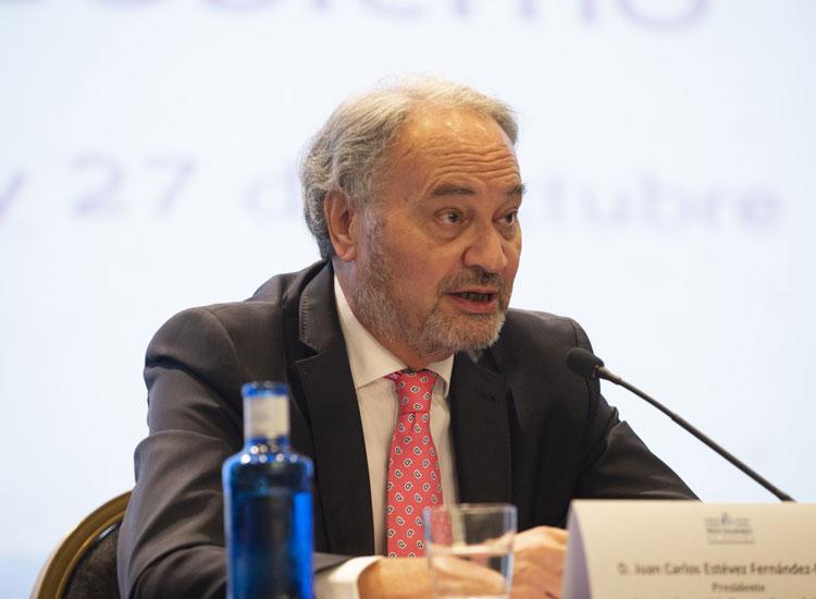 El presidente del Consejo General de Procuradores, Juan Carlos Estévez