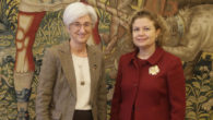 La fiscal general del Estado, María José Segarra y la decana del Colegio de Registradores de España, María Emilia Adán
