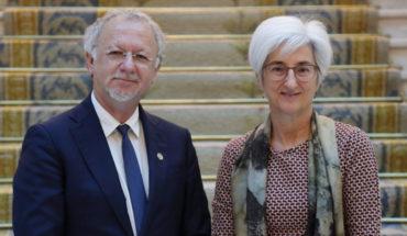 La Fiscal General del Estado, María José Segarra, y el Relator Especial de la ONU sobre cuestiones de las minorías, Fernand de Varennes