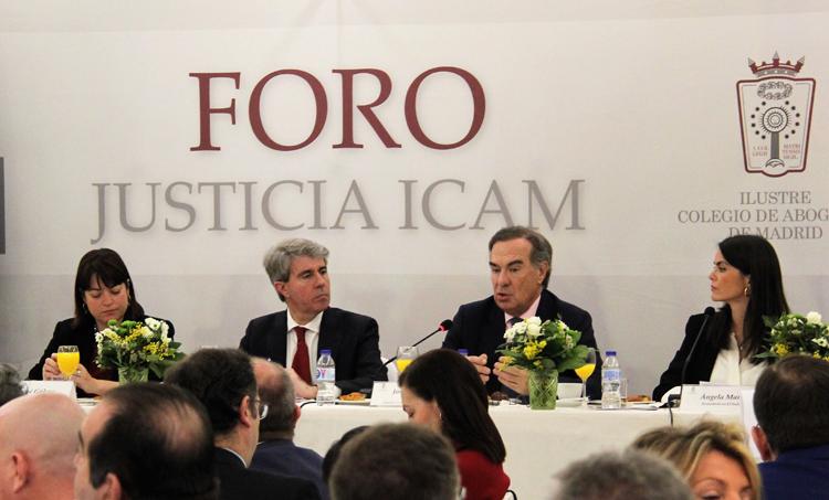 DE izq. a dcha, María José Gálvez, Ángel Garrido, José María Alonso y Ángela Martialay