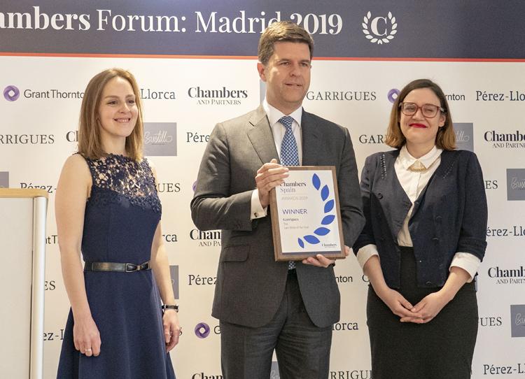 Chambers premia a Garrigues como mejor despacho de Derecho Tributario en España